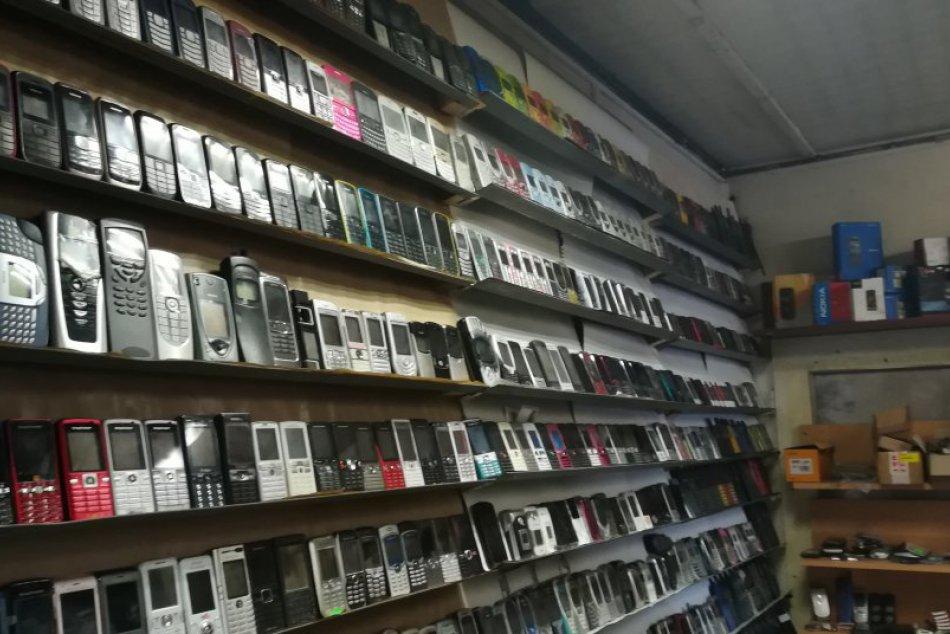 V OBRAZOCH: Zbierka mobilov Bystričana Viliama, akú len tak neuvidíte