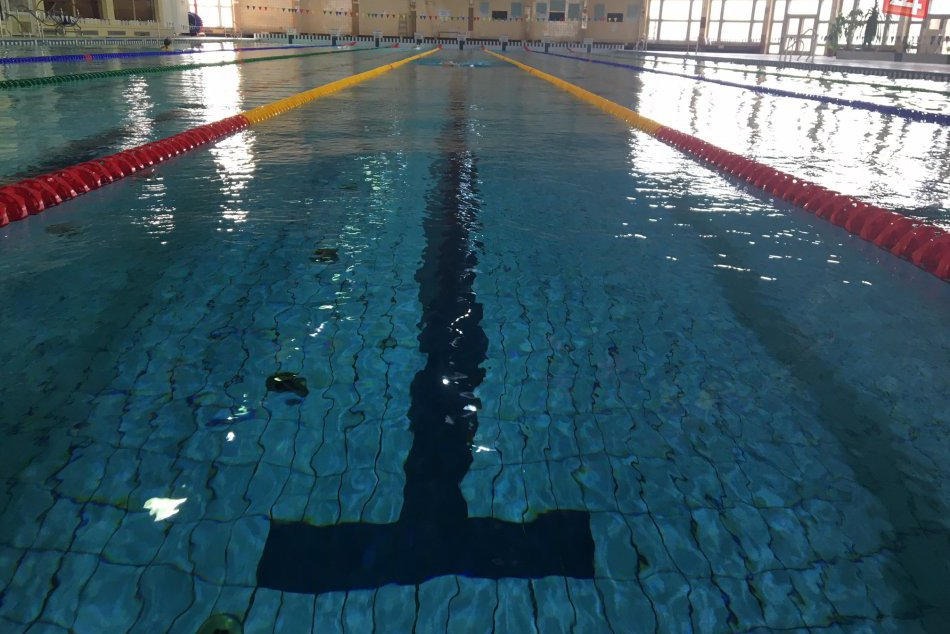 Plaváreň v Šali má novinku: Sú ňou pestré plavebné dráhy, FOTO