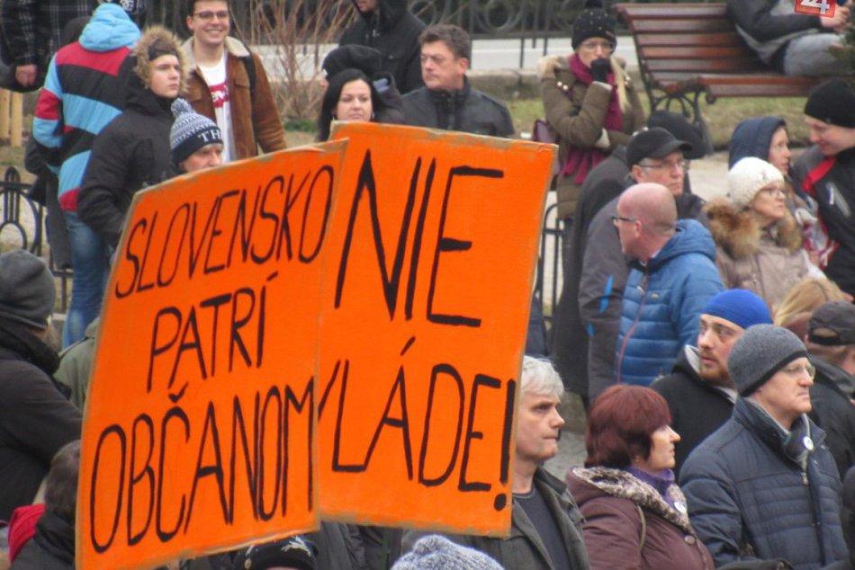 Ľudia v Prešove opäť vyšli do ulíc: Protestné zhromaždenie V OBRAZOCH