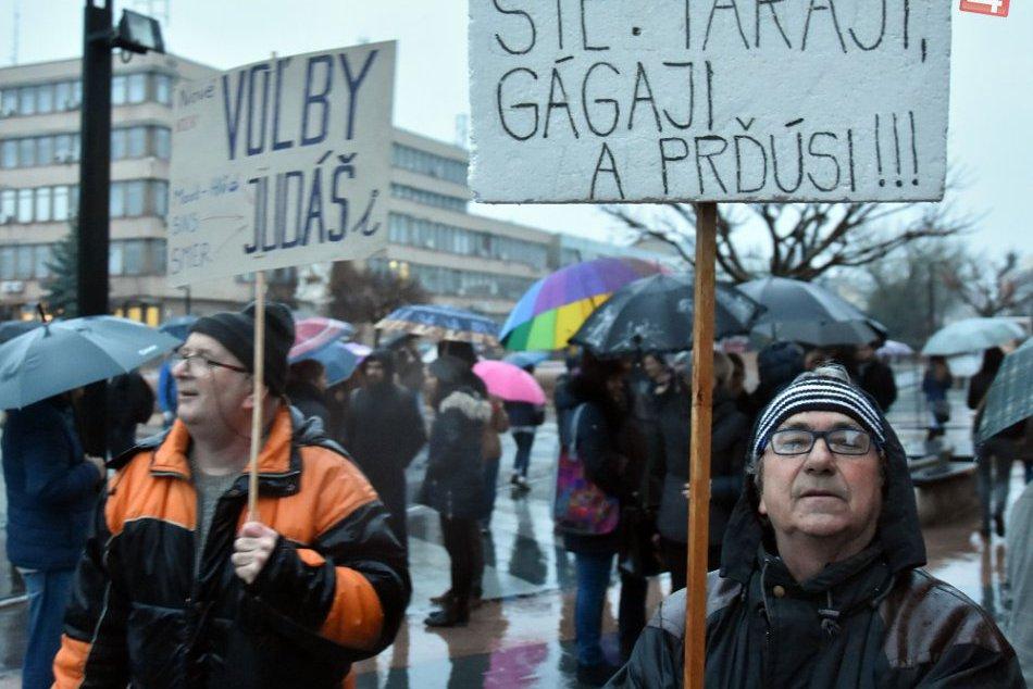 FOTOGALÉRIA: Prinášame vám momentky z michalovského protestu