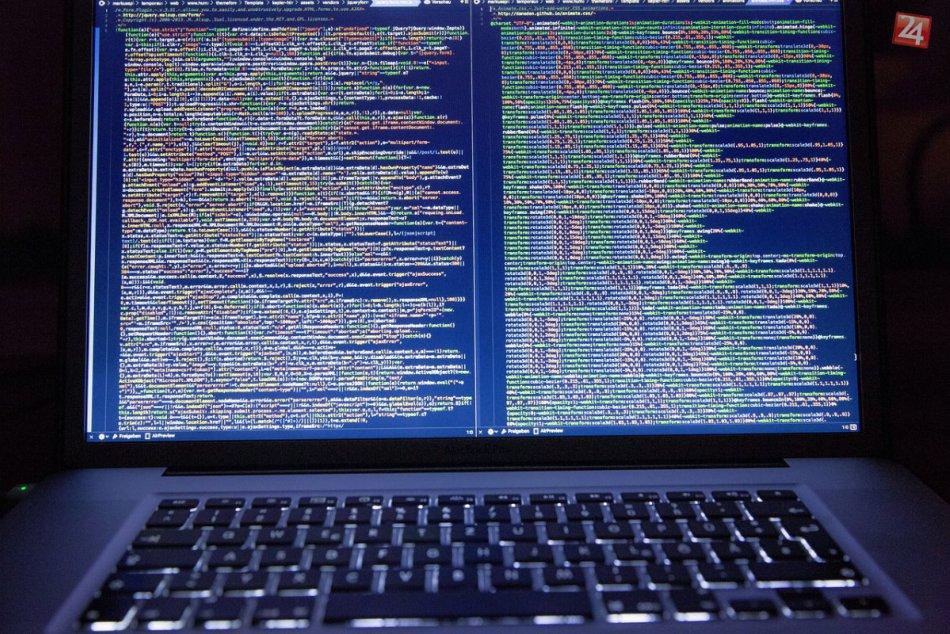 Polícia varuje pred novými podvodnými emailami