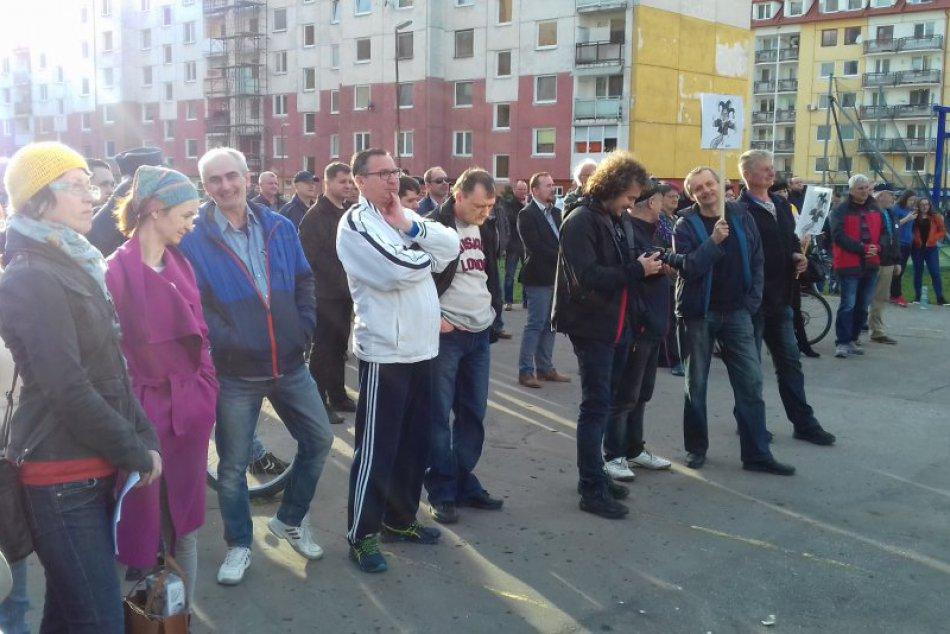 Pozrite si to na fotografiách: V Humennom prebehlo ďalšie protestné zhromaždenie