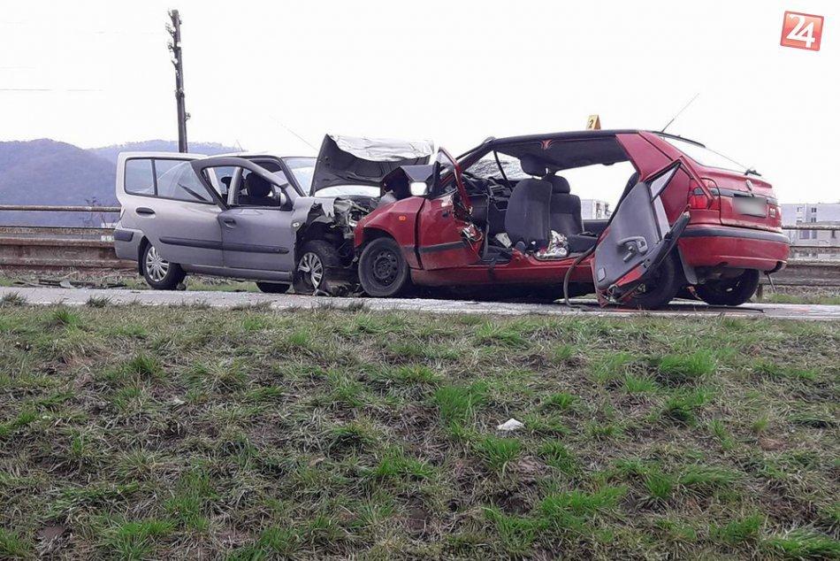 FOTO Z MIESTA: V Humennom došlo k vážnej dopravnej nehode