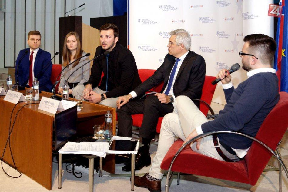 V OBRAZOCH: Národný konvent EÚ na TUZVO