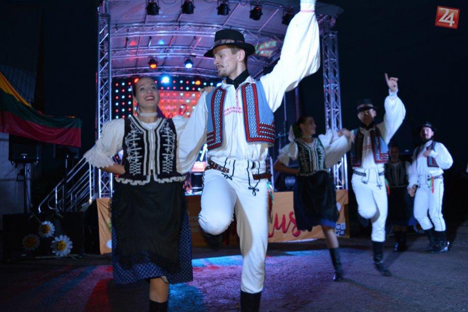 Ich vystúpenia sa oplatí vidieť: Spoznajte prešovský folklórny súbor Dúbrava