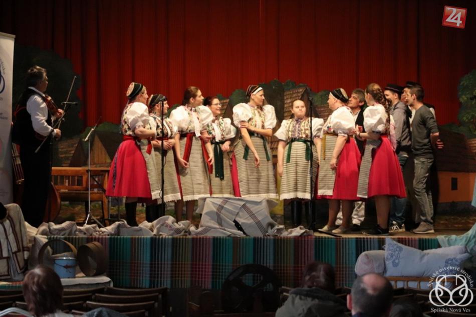 OBRAZOM: Niekoľko folklórnych skupín predviedlo zvyky a tradície v Letanovciach