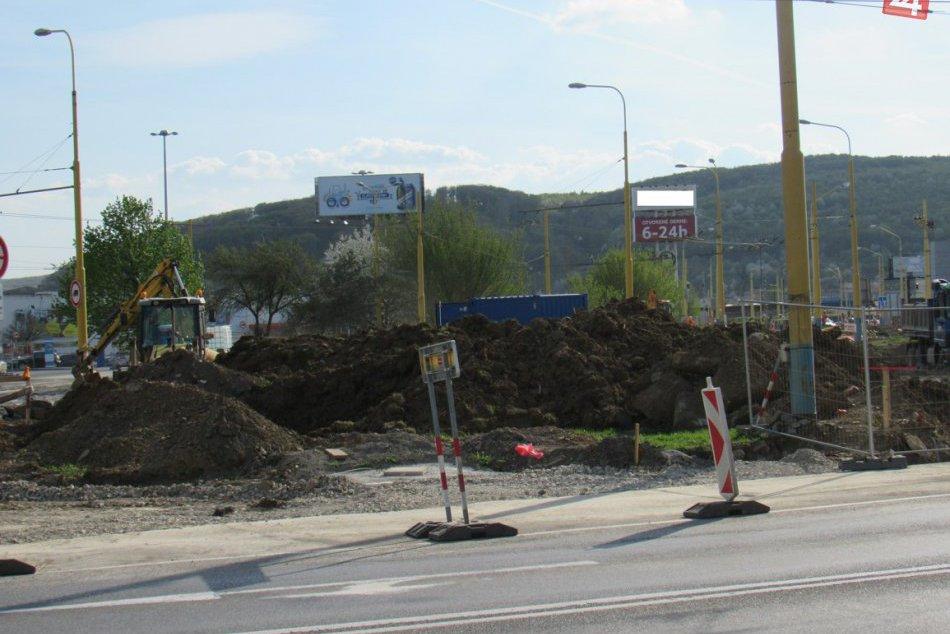 Mení sa nám pred očami: Takto križovatka na Solivarskej prechádza rekonštrukciou