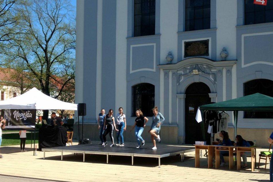 Pozrite si to na fotkách: Centrum Spišskej Novej Vsi ožilo tancom
