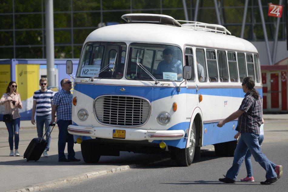 Vyšiel do ulíc a upútal pozornosť: Takýto autobus vyrazil na košické cesty, FOTO