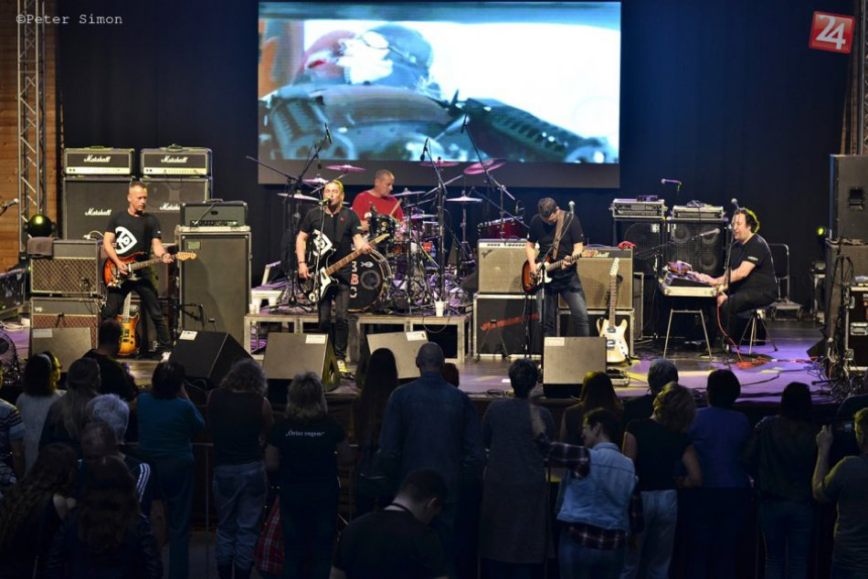 Obrazom: Hard rocková legenda NAZARETH v Rožňave (Guest Republic)
