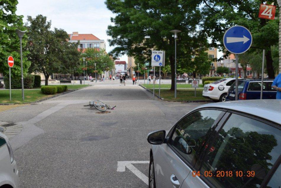 Nehoda v centre Nových Zámkov