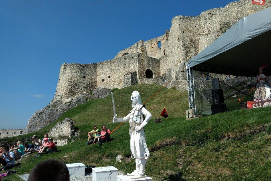OBRAZOM: Letná sezóna na Spišskom hrade začala veľkolepo