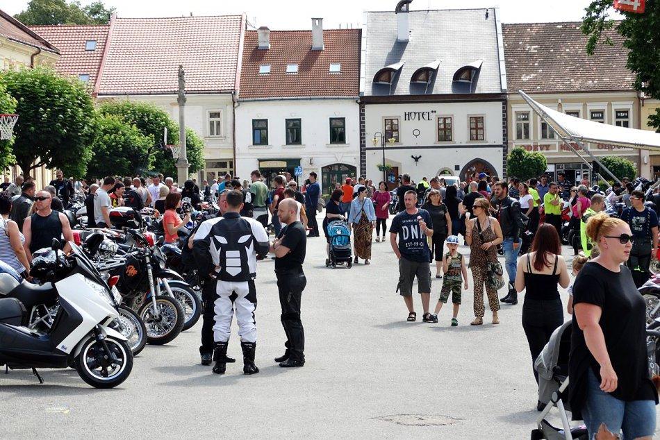Obrazom: Zahájenie motosezóny na Gemeri