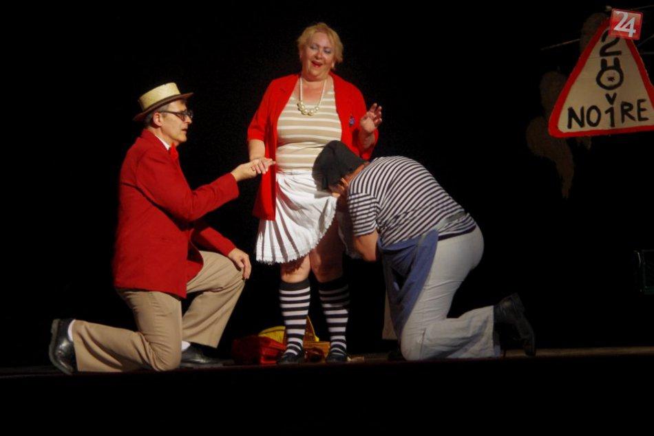 V OBRAZOCH: Zochova divadelná Revúca