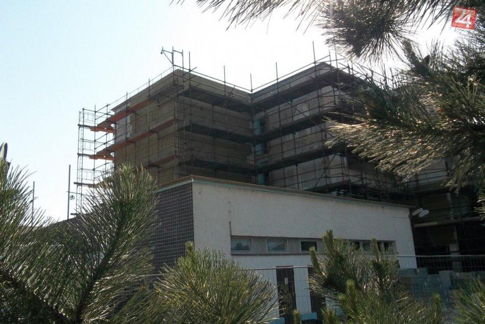 Budova úradu sa poriadne mení: Viete, že bude pekne nasvietená? FOTO