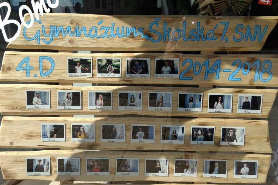 Zachytené na FOTKÁCH: V Spišskej už pútajú pozornosť maturitné tablá