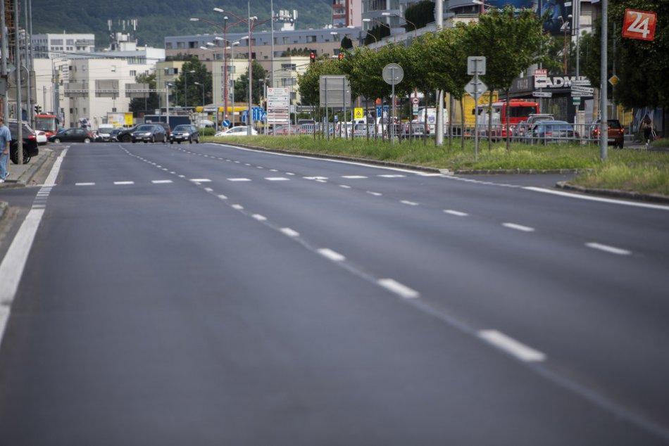 Nový asfaltový povrch na Bajkalskej