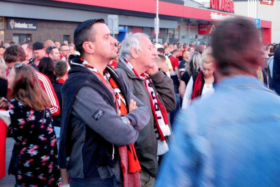 OBRAZOM: Takto oslavovali Trnavčania a futbalisti v centre majstrovský titul