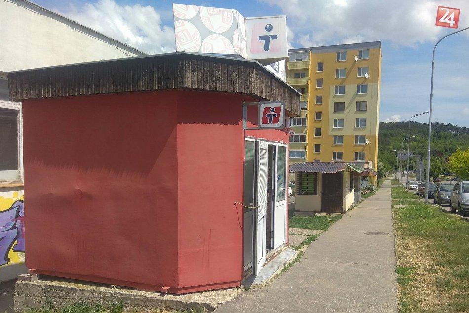 Mesto chce zrušiť stánky pri škole na Klokočine: Predajcovia sa bránia petíciou