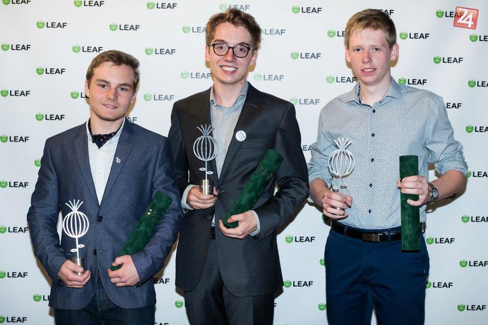 V OBRAZOCH: Bystrický gymnazista Emanuel získal ocenenie LEAF Award