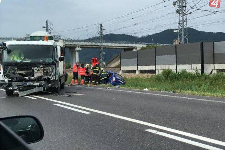 FOTO: Žena (26) nedala pri Plevníku-Drienovom prednosť a utrpela ťažké zranenia
