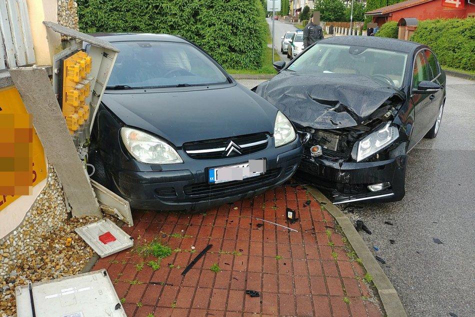 Obrazom: Zrážka vozidiel v Rožňave