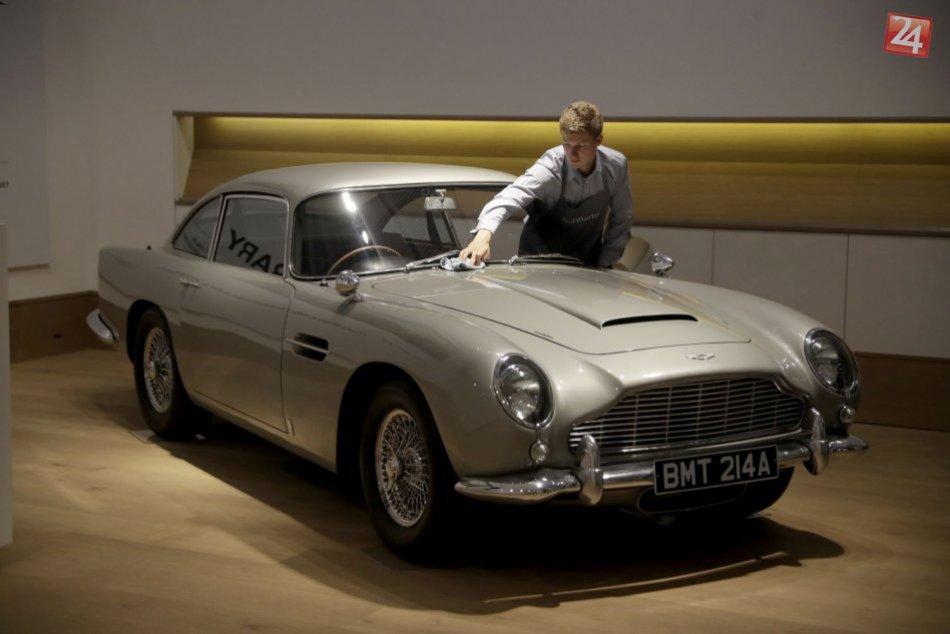 KURIOZITA DŇA: Do dražby ide kultový Aston Martin Jamesa Bonda