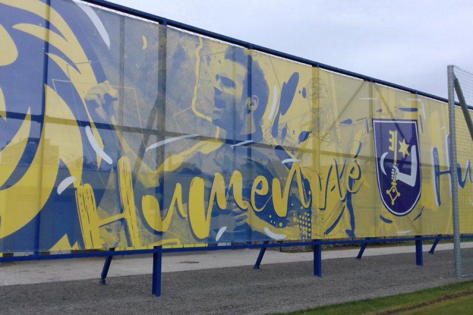 VEĽKÁ FOTOGALÉRIA: Nový futbalový štadión v Humennom sa dočkal otvorenia!