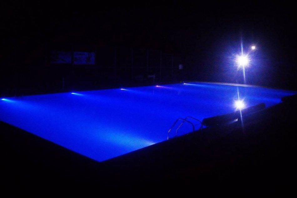 FOTO: Neďaleko nášho mesta si môžete užiť vodné radovánky pod hviezdami