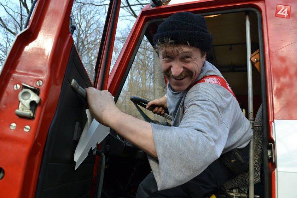 Obrazom: Petr Hanzlíček je hasičom už 28 rokov