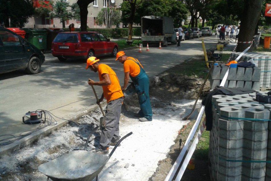 Rekonštrukcia Ulice Ivana Krasku v Považskej: Nové parkovanie nemá byť všetko