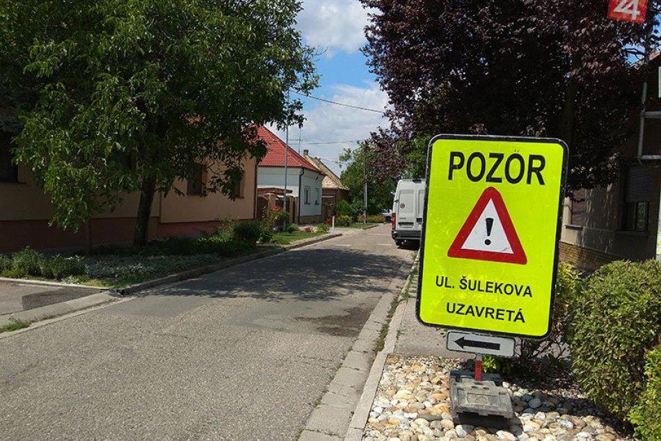 Šulekova ulica v Nových Zámkoch je uzavretá