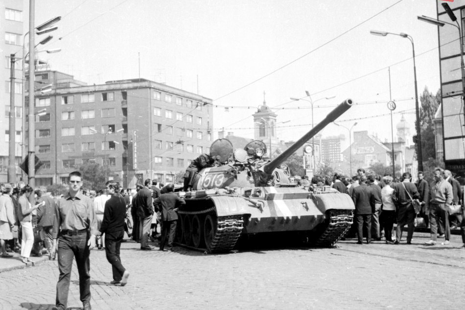 Dokumentárne snímky z Bratislavy 21. - 22. august 1968