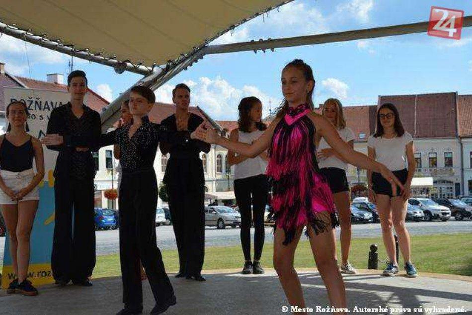 Obrazom: Tanečná nedeľa na rožňavskom námestí