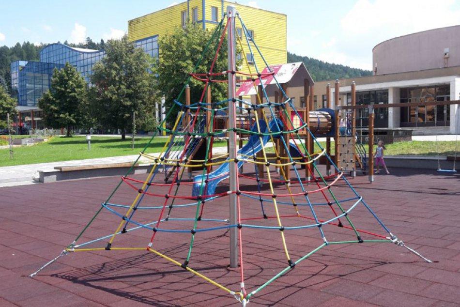Detské ihriská v Považskej Bystrici s novinkami: Pozrite na FOTO, čo sa mení