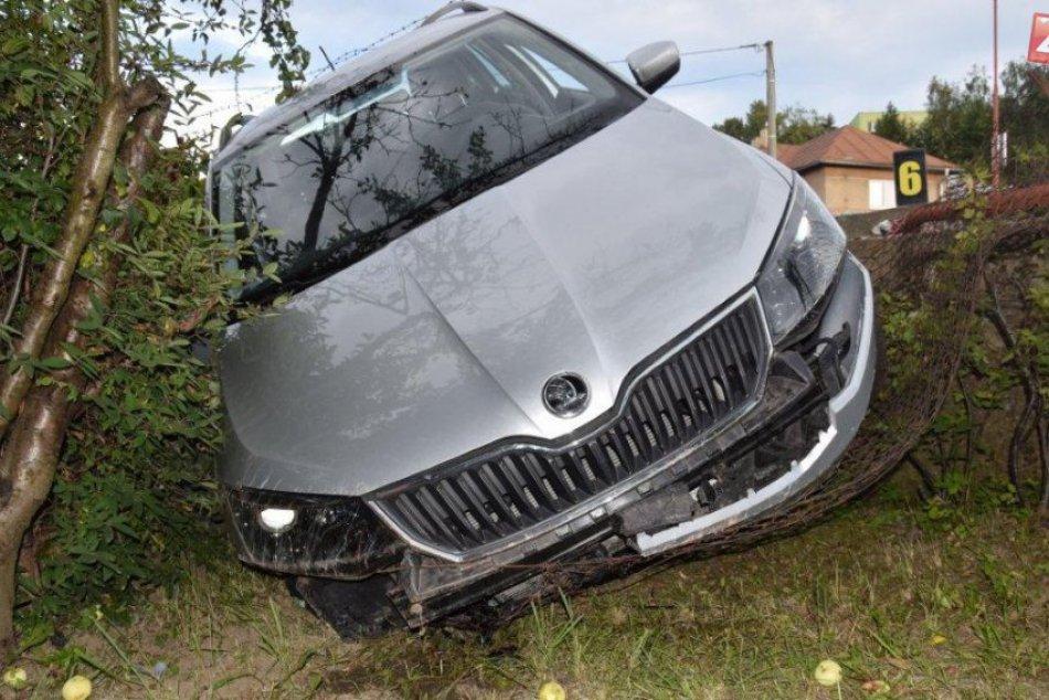 Policajti v Spišskej prenasledovali auto, to napokon havarovalo!