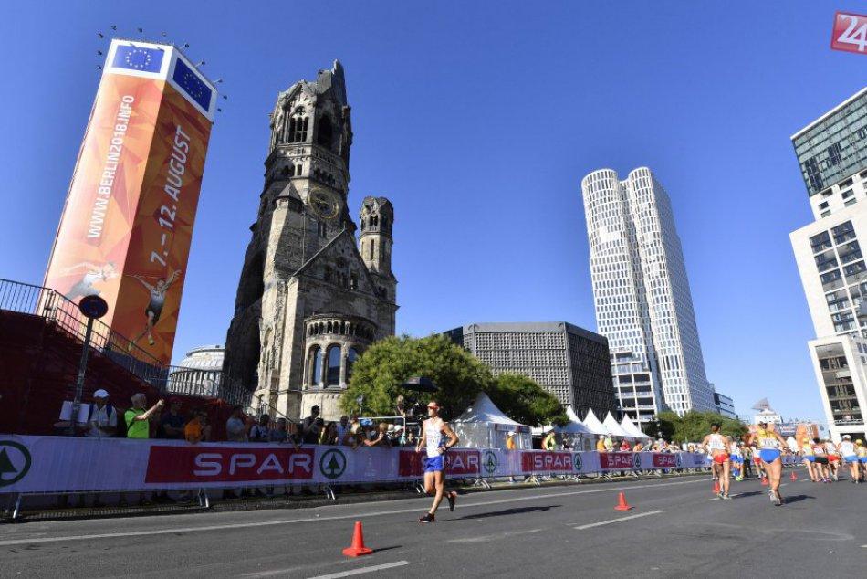 V OBRAZOCH: Tóth počas pretekov v chôdzi mužov na 50 km na ME v atletike
