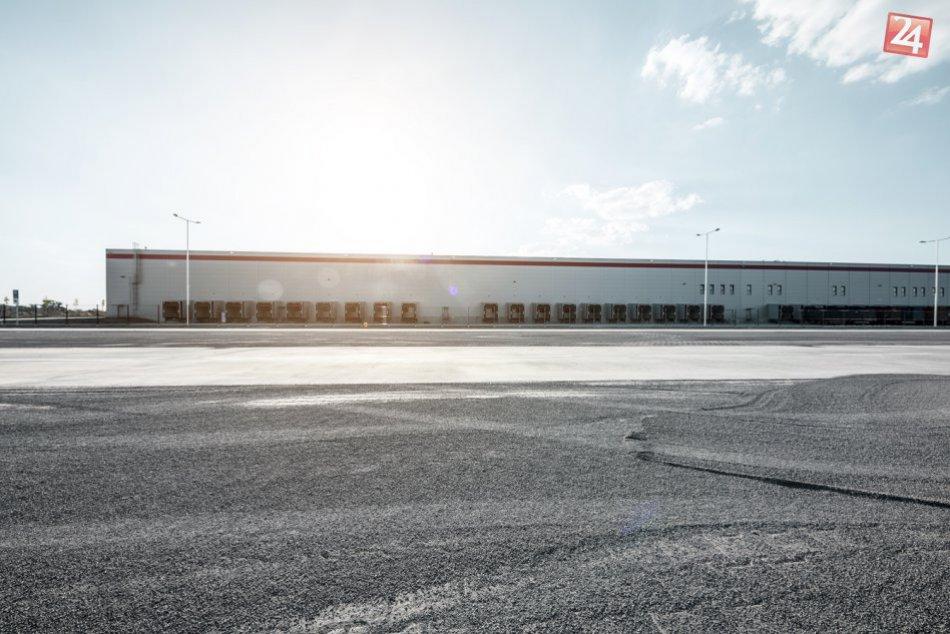 OBRAZOM: Logistické centrum v priemyselnom parku Kostolné Kračany bolo dokončené