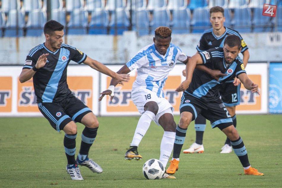 Prvý bod Nitry v aktuálnom ročníku: Futbalisti s remízou proti Slovanu, FOTO