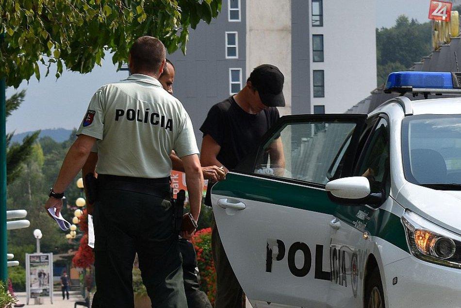 Považskobystričan Lukáš (31) obvinený z napadnutia muža (64): FOTO spred súdu