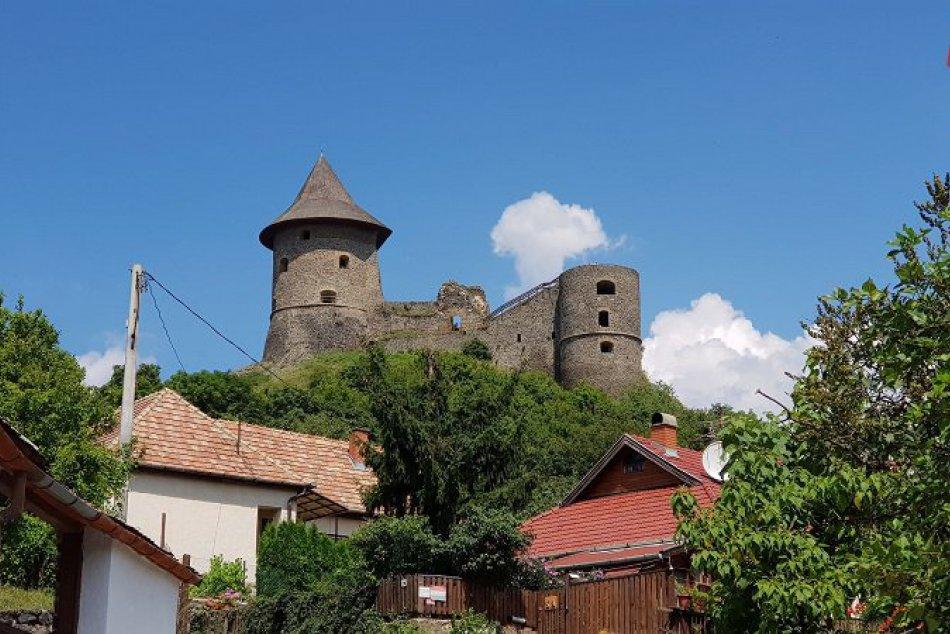 hrad Šomoška v Šiatorskej Bukovinke