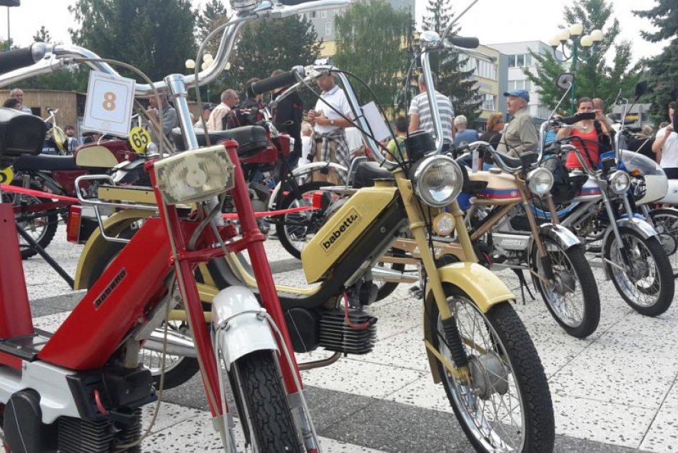 Považskobystrický motocykel na záberoch: Krása a dejiny nášho mesta v jednom
