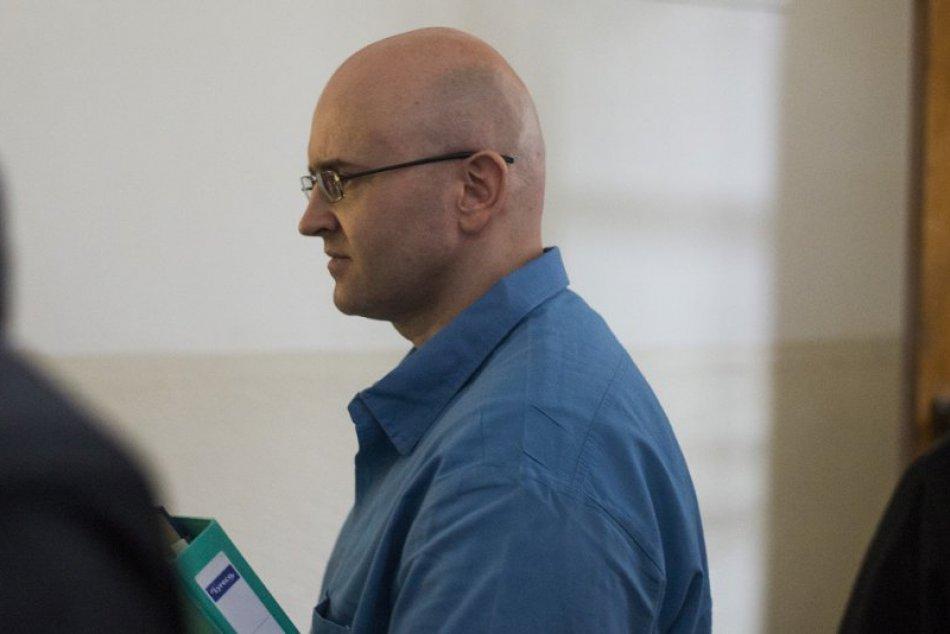 Súdne pojednávanie s Miroslavom M. odročili na neurčito: Zábery z neho