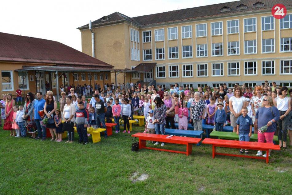 V OBRAZOCH: Otvorenie školského roka na ZŠ I. B. Zocha
