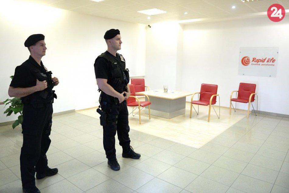 Policajný zásah v Rapid life