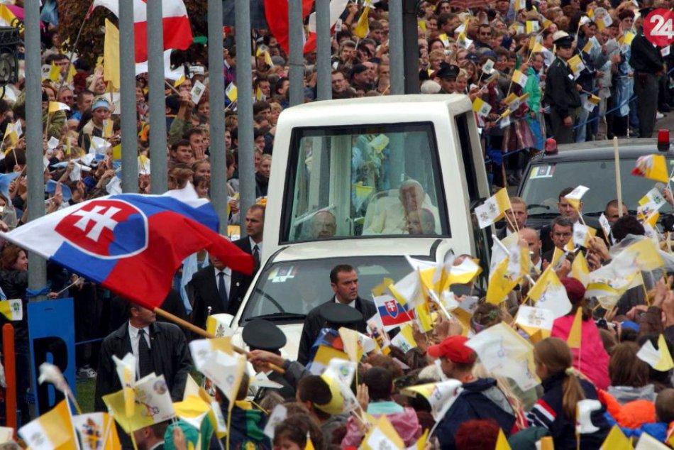 V OBRAZOCH: Návšteva pápeža Jána Pavla II. v Bystrici (2003)