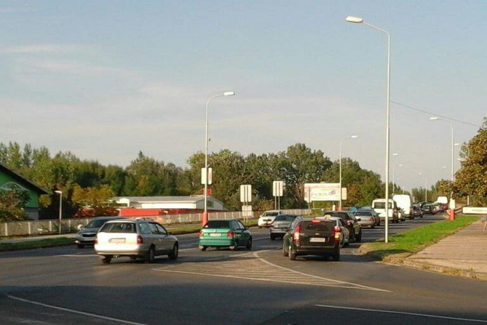 FOTO, V Šali sčítali dopravu, cez most prejde denne vyše 20 000 áut!