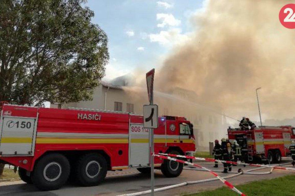 Fotografie z požiaru budovy Obecného úradu v Nových Sadoch 17. septembra 2018