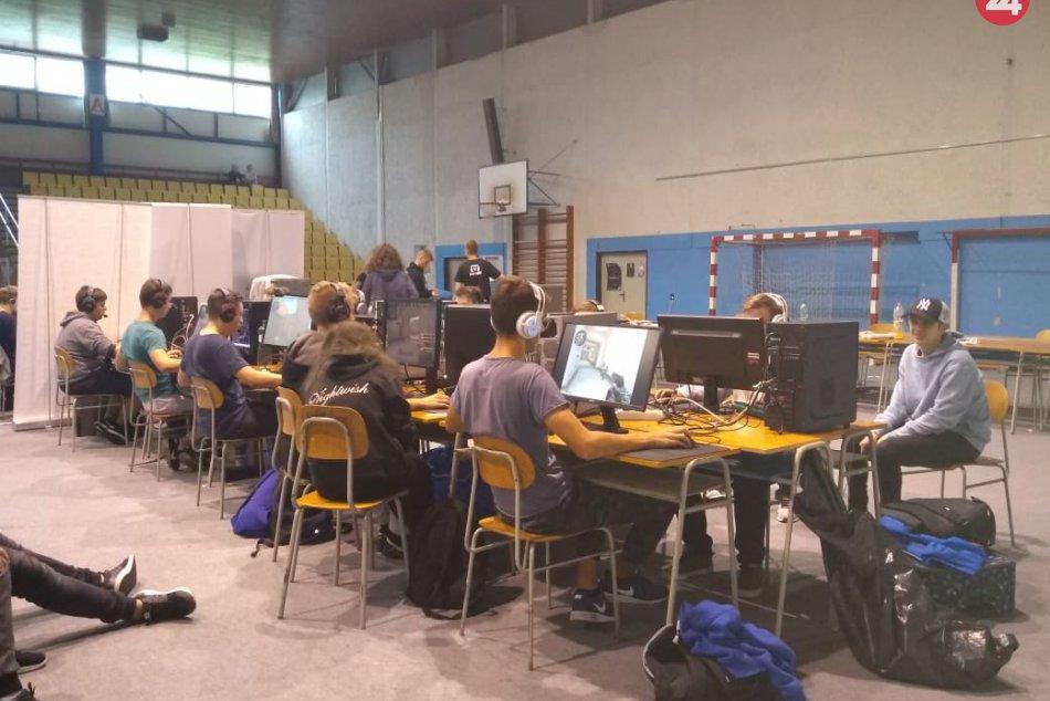 V Spišskej prebehol turnaj v počítačových hrách: Takto to na ňom vyzeralo