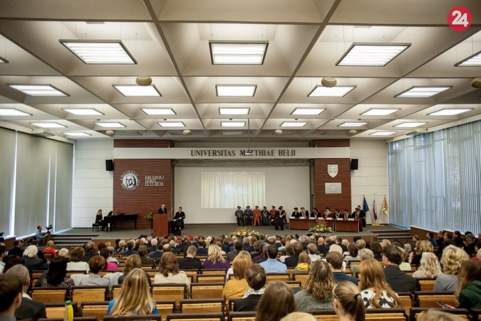 V OBRAZOCH: UMB otvorila nový akademický rok